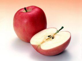 Приворот на яблоко с волосами